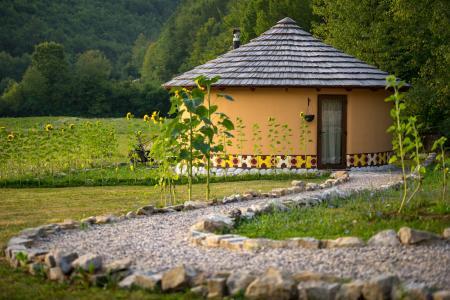 Linden Tree Retreat & Ranch in Velika Plana / Kvarner-Bucht