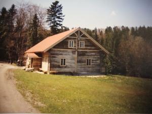 Große Blockhütte)