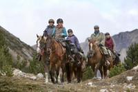 Reitstall und Saloon San Jon: Reitferien für Kinder und Erwachsene, Pferdetrekking in den Alpen