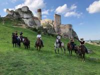 Reiturlaub auf der Rosochacz Ranch. Natural Horsemanship im Krakau-Tschenstochauer Jura in Polen.