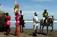 Reiturlaub auf Bali, Indonesien - Reiten an den endlosen Stränden von Yeh Gangga!