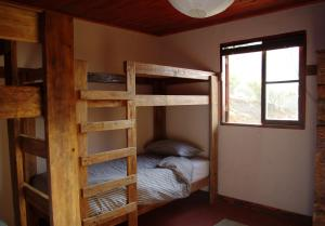 Kinder Schlafzimmer mit Hochbetten 4 Personen
