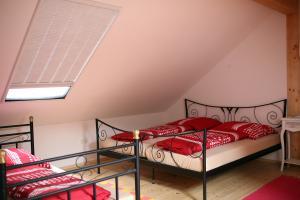 Das Schlafzimmer mit 4 Betten