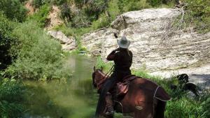 Trailreiten am Fluss Riu Gaia